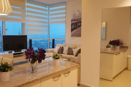 Luxury 2bed City/Sea View Apartment - Apartment