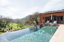 Gorgeous Infinity pool with heated spa'