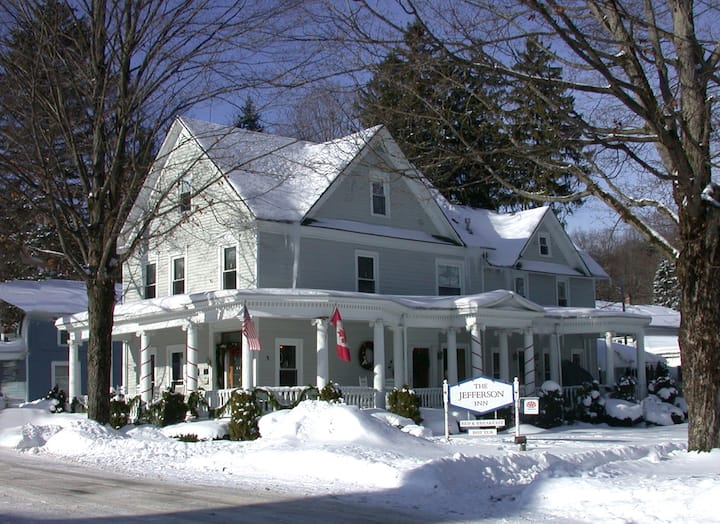 5-Elizabeth Hickey, Gourmet Breakfast, Outdoor Hot Tub, Center of Village - The Jefferson Inn