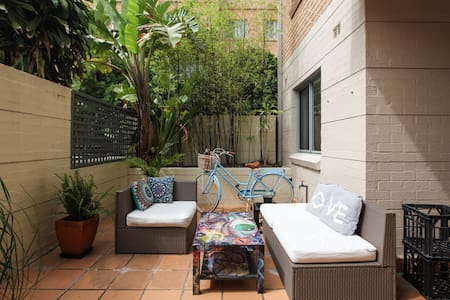 Sunny double room walk to Central - Redfern - Wohnung