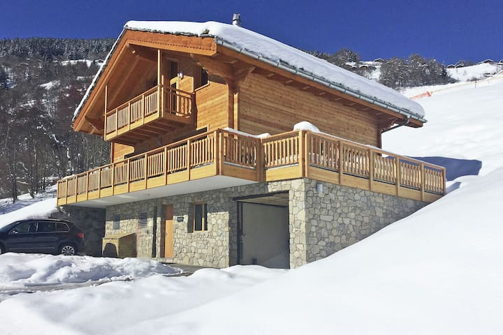 Unique luxury chalet, newly built, in the ski area of 4 Vallées
