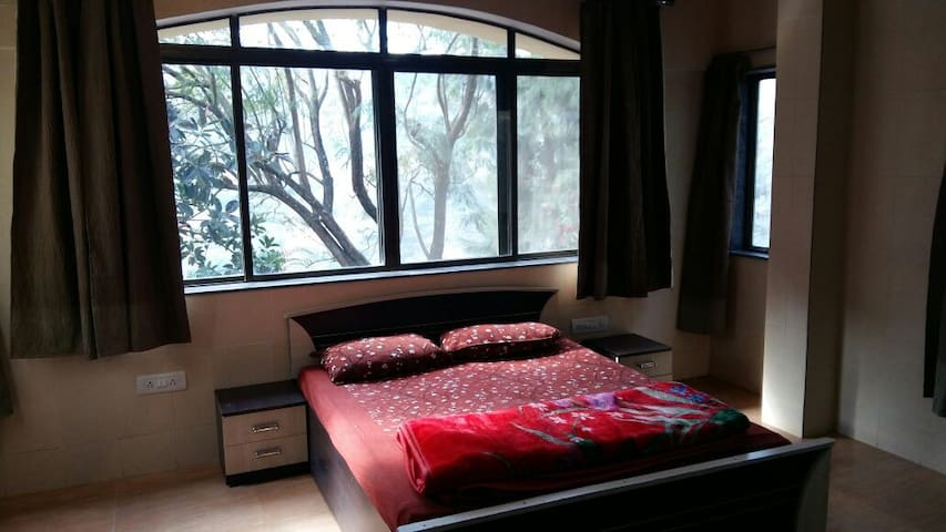 Valley Facing Peaceful stay Panchgani 2bhk