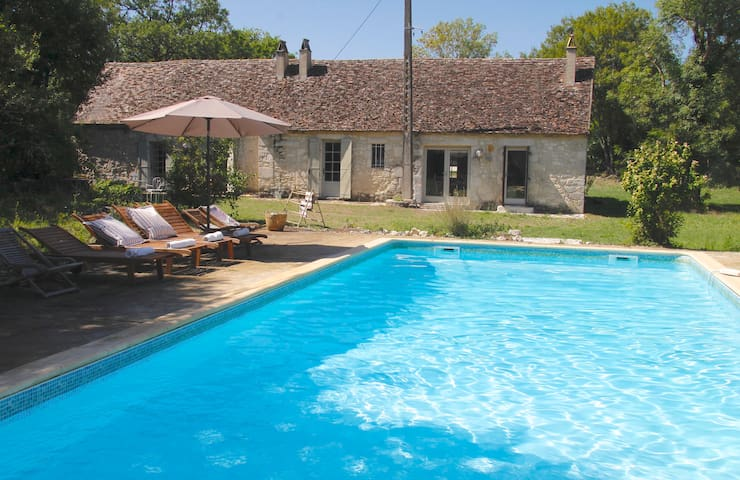 Private pool + charming cottage nr Issigeac for 6