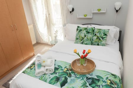 City Center SEAFRONT APARTMENt★near HELEXPO