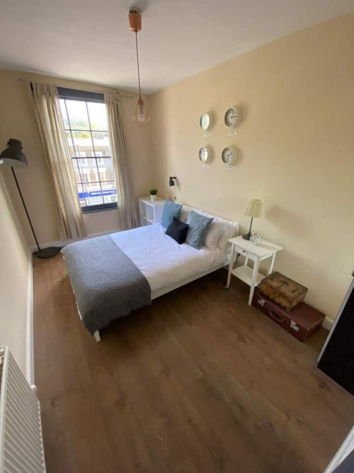 Room 1, Cally Road