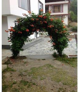 Holiday Homes, Mussoorie - Mussoorie - Apartament