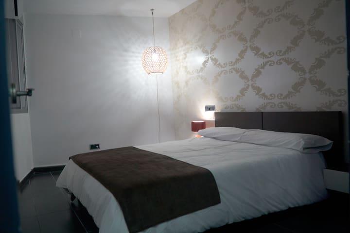 Habitación cama matrimonial