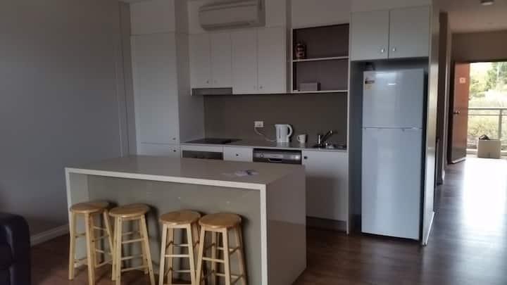 Towncenter apartment (timber floor)