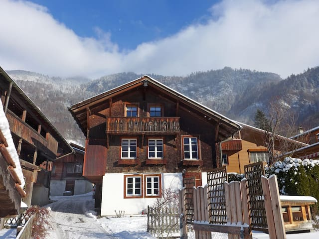 2-room chalet 50 m² Chalet in Brienzwiler