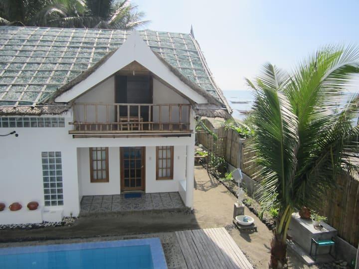 Villa by the Beach (Cabin Pusit)