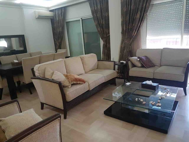 Cozy 3 bedroom apartment, 10 mn from beirut