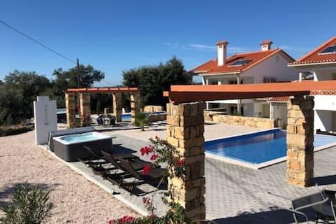 Magnifique villa à Ferreira do Zezere avec piscine privée et jacuzzi!