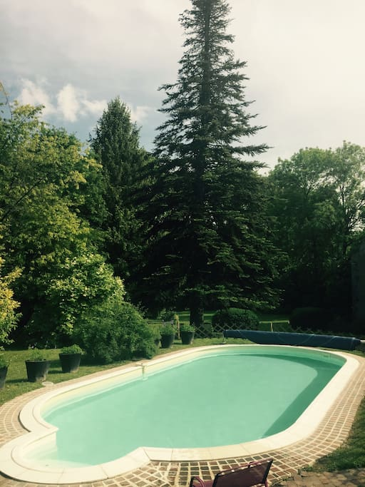 Maison piscine pr s fontainebleau houses for rent in for Piscine fontainebleau