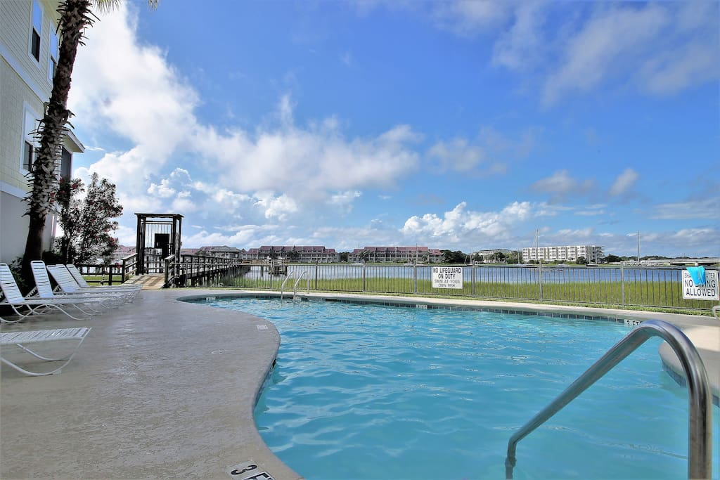 83 waters edge comfy cool pool villas for rent in folly beach south carolina united states. Black Bedroom Furniture Sets. Home Design Ideas