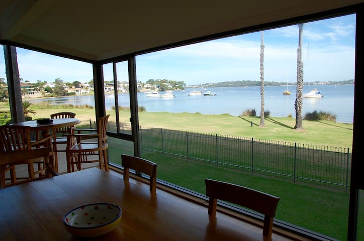 Riverfront Apartment - Freshwater Bay