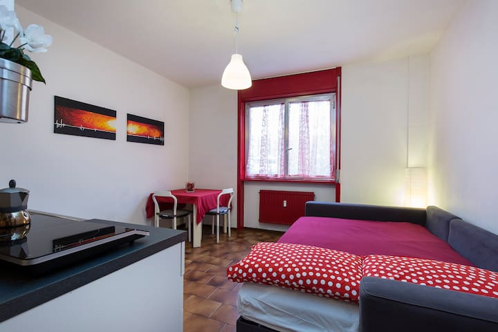 [Hospital, University ] Design Flat - Novara - Apartament