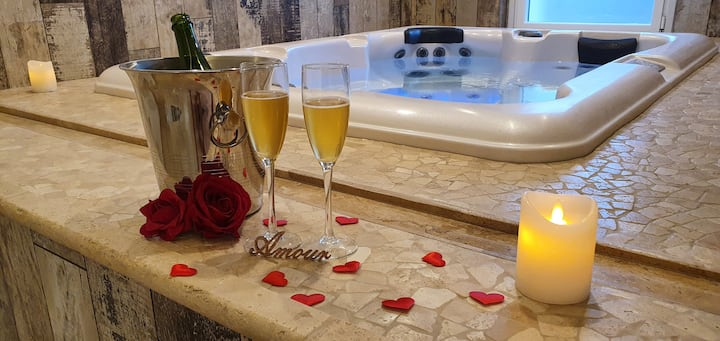 Suite romantique de luxe de 80m² jacuzzi & sauna