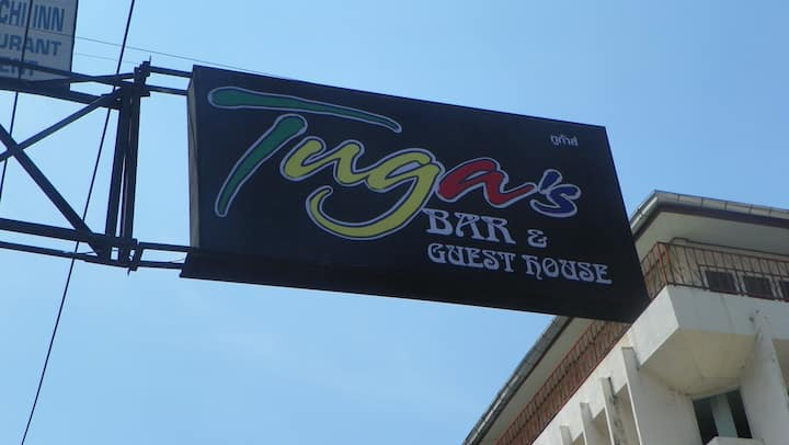 Tuga's Bar & Guest House