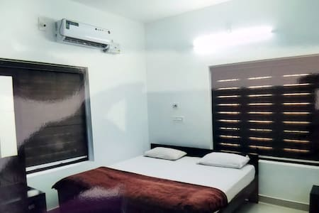 Private Room in Sea Wind Home Stay