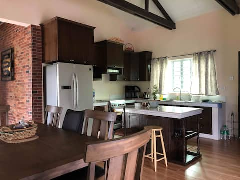 Lal-lo Country House with 4 BR  (grp of 8)