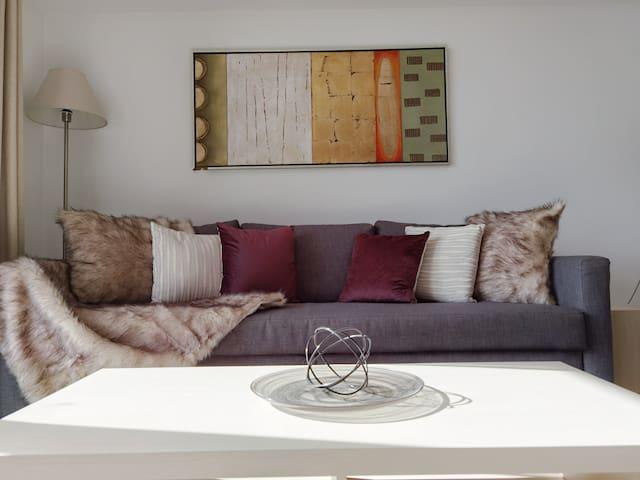 Living area: 1 Queen Sofa Bed 1 Floor Mattress.