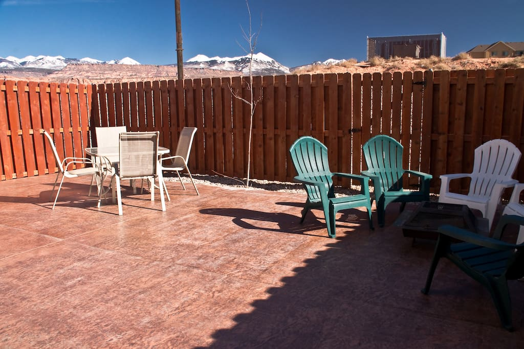 Large patio with seating and gas barbecue. Gets great sun most of the day and then gets shade from the Moab Rim near sunset.