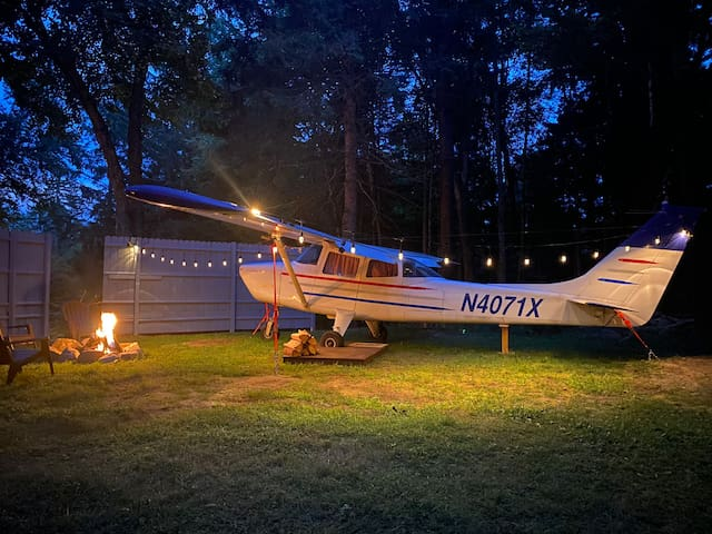 Take flight at your private cabin in Lake George