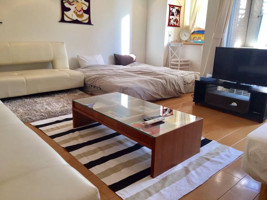 MAX 5P can stay 3 shingle beds 2 sofa beds 2futons No smoking Double lock Check in from3pm Check out    11am 440ppt Pocket speed wifi paid rental service(¥1000/day) Luggage Storage Service(1Luggage Price/2hour ¥1000) Clean Up Room Service(¥7000) ★The bath is already repaired!  最大5名様ステイ シングルベッド3 ソファベッド2 布団2セット 禁煙 2重ロック チェックイン15時〜 チェックアウト11時 ポケットWIFIレンタルサービス(¥1000/day) 荷物預かりサービス/1個の荷物価格 (2hour ¥1000) 滞在中お掃除サービス(¥7000税込) ★お風呂の修理完了しております