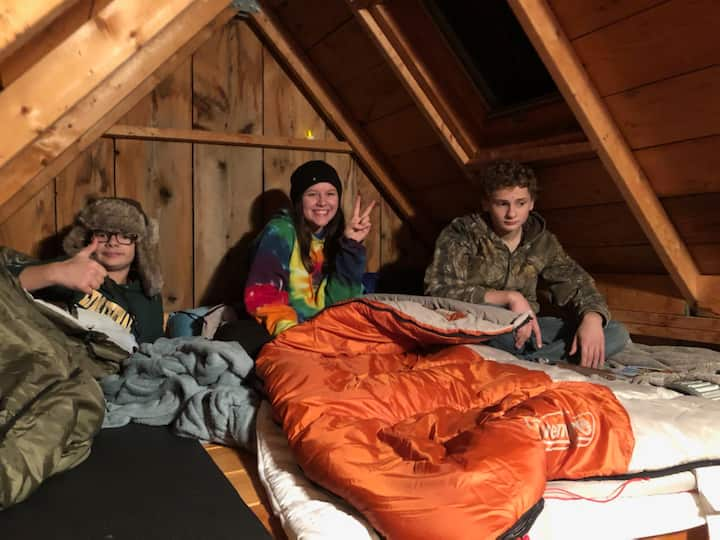 Cozy Weekend Cabin