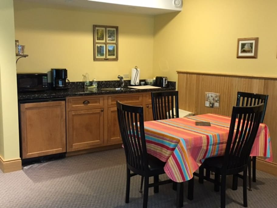 Kitchenette with table and chairs