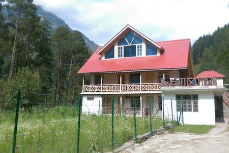 Parvati Woods Wooden Suites - Kasol - Villa