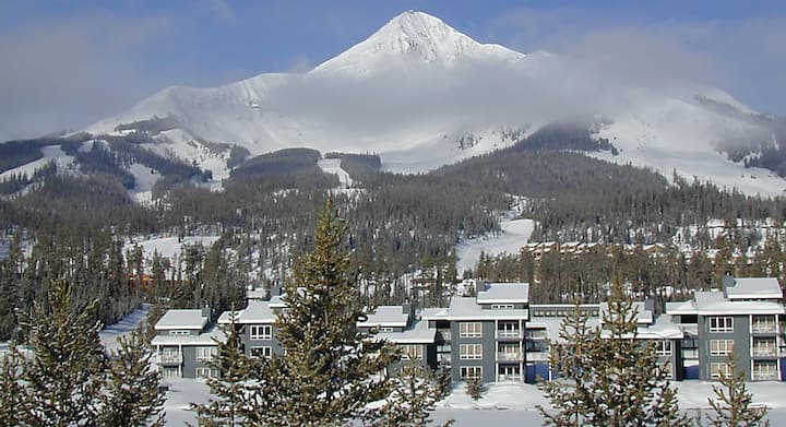 Beautiful skiing and warm, lovely, spacious condo