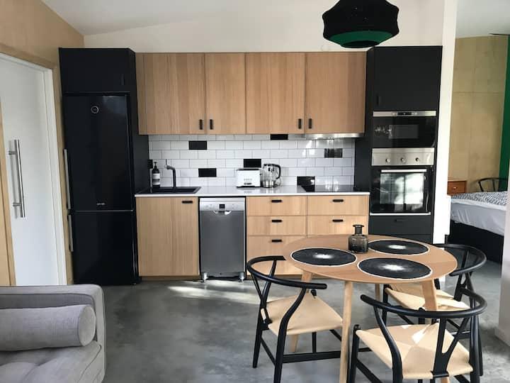 Eco-Studio, 5 star space & location