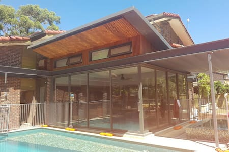 Pool, Heated Spa,  Gourmet meals - Athelstone - 一軒家