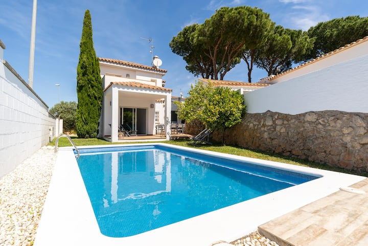 Berta: Gorgeous Villa with private pool and garden.