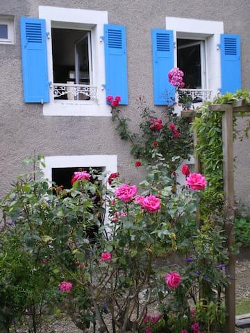 Maison de caractère au bord de mer - Locquénolé - Casa