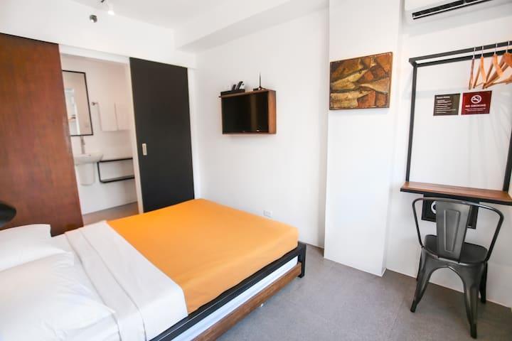 Triple Room @ Gomez House