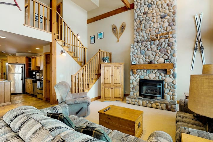 Ski-in/ski-out chalet w/ mountain views, private hot tub, & gas fireplace