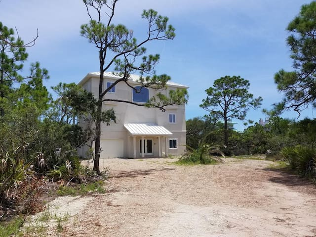 Oceanview, Private beach in  gated community