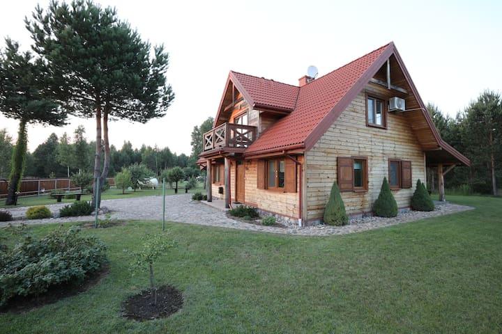 Dom nad Źródłami w sercu Puszczy Knyszyńskiej