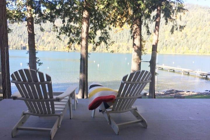 Waterfront Cabin On Cultus Lake