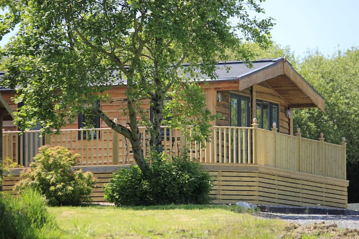 Maple Tree Lodge with private hot tub.