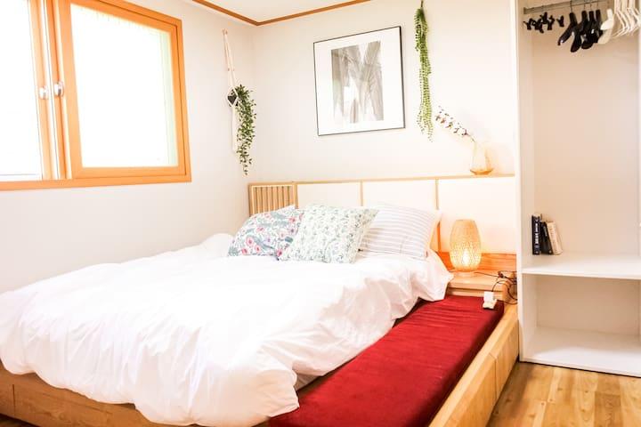 COOPIE HOUSE #3 (2 Rooms+2 Queen+Sofa bed+Netflix)