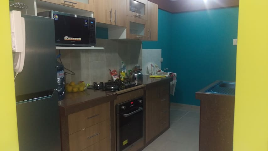 Dpto duplex con 3 hab dobles,cocina, comedor, sala - Trujillo - Apartamento