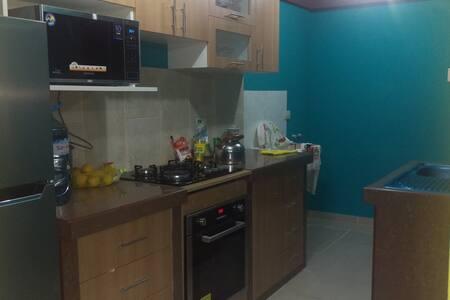 Dpto duplex con 3 hab dobles,cocina, comedor, sala - Trujillo