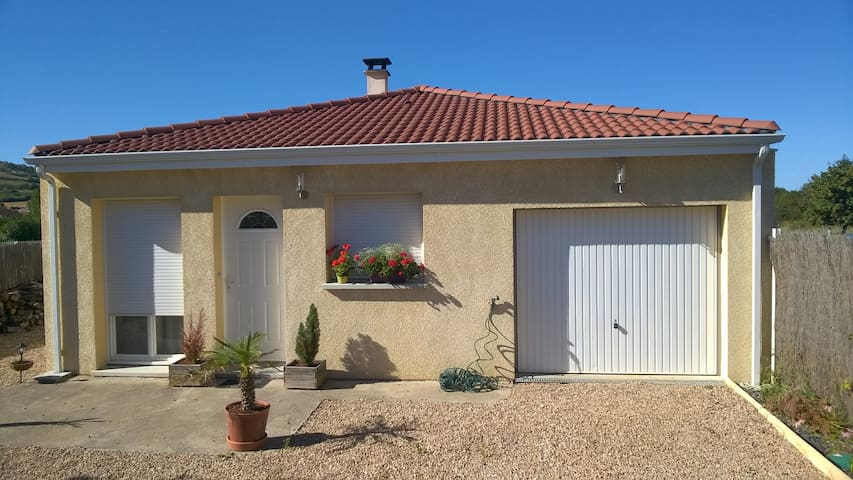 Maison récente 2 ch. proche des parcs d'Auvergne - Les Martres-de-Veyre - Hus