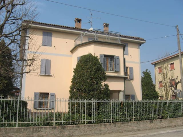 Charming loft near Bologna - Bellissima mansarda - Anzola dell'Emilia