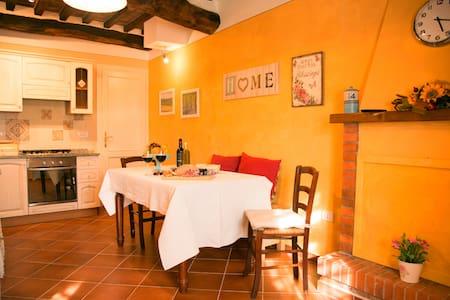 Casa di Laino - Lucca - Ev