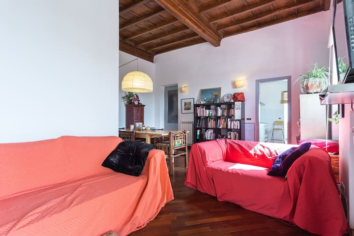Fun-loving flat on two floors