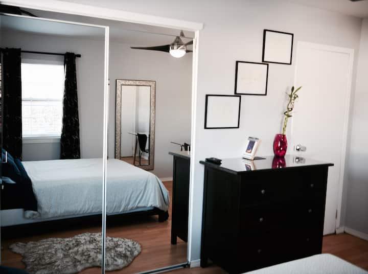 ComFY Room (2)